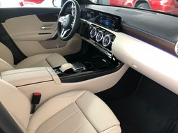 Mercedes-Benz A 250 e CONFORT EDITION PANORAMA MEMORY PARK full